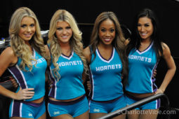 Photos: Warriors vs Hornets Jan. 25